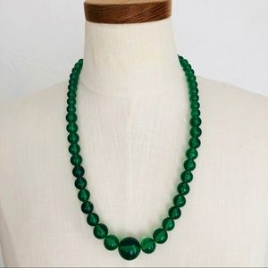 Jewelry - Vtg 60s Necklace Gorgeous Green Lucite Beads
